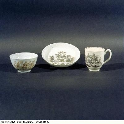 Tea bowl and saucer, and coffee cup